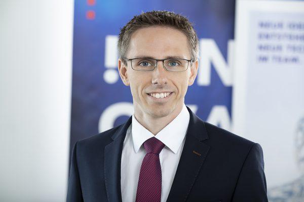 Dr. Tobias Sattler