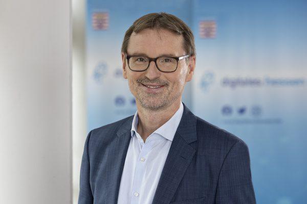 Dr. Matthias Donath