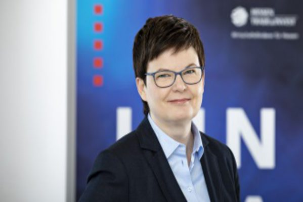 Dr. Svantje Hüwel