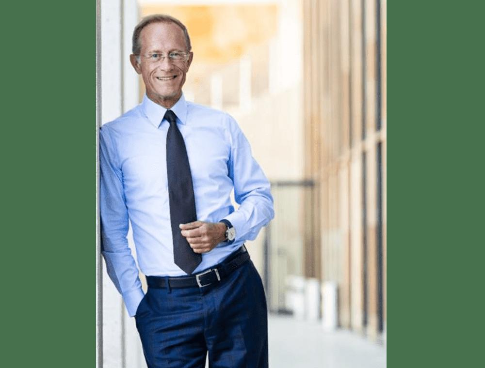 Staatsminister Axel Wintermeyer übergibt Förderung an Freiwilligenzentrum Mittelhessen in Wetzlar